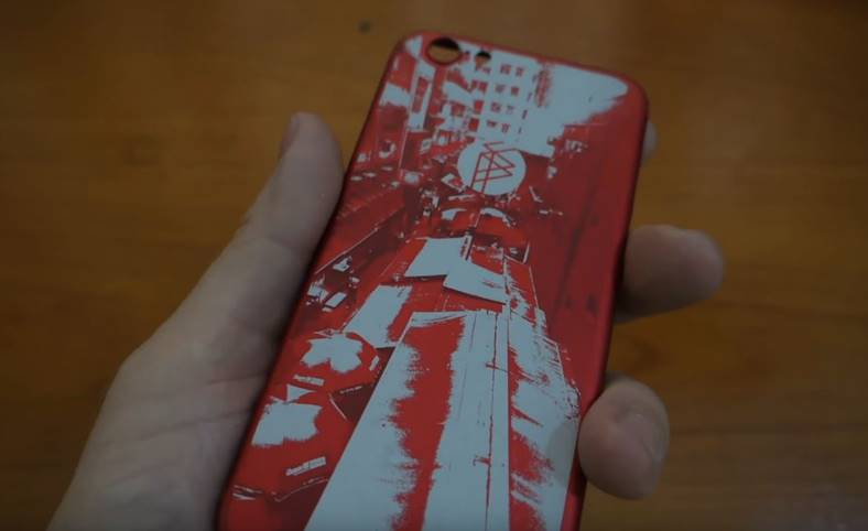 iPhone gravat carcasa