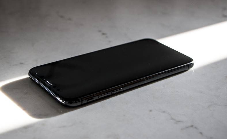 iphone x 2 luni fara carcasa