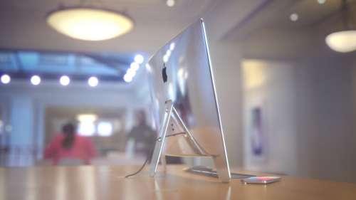 Apple Studio Display 1