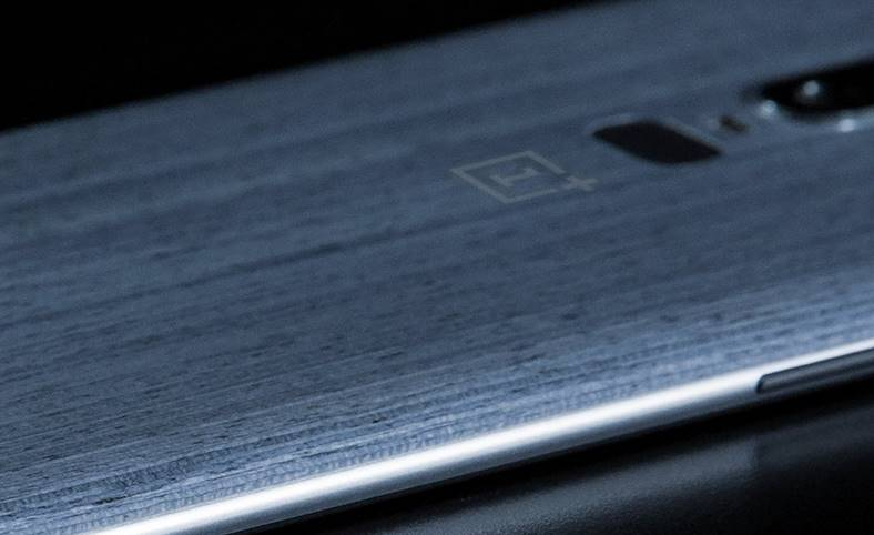 OnePlus 6 imagine oficiala