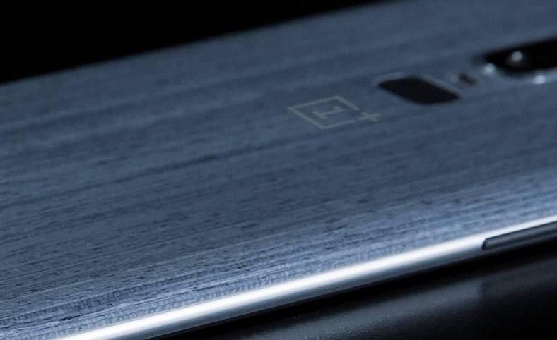 OnePlus 6 imagine oficiala