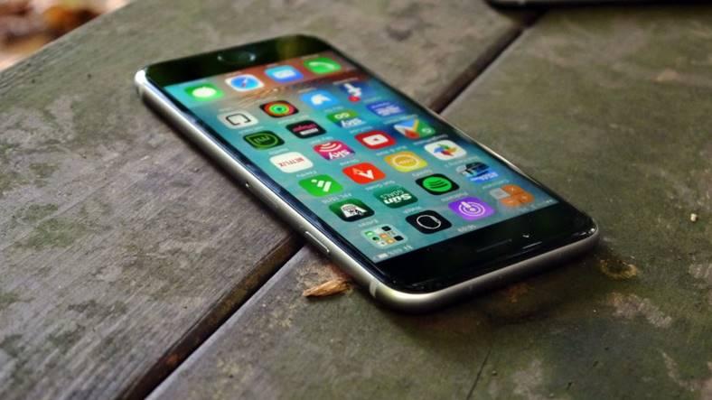 eMAG iPhone 7 PRET REDUS 1300 LEI