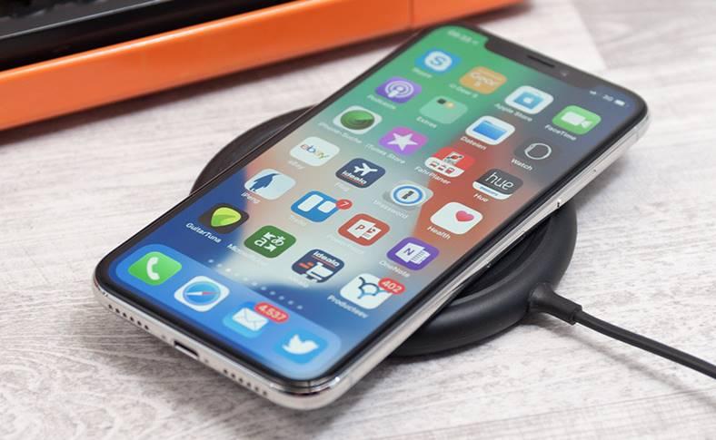 eMAG iPhone X 1700 LEI PRET REDUS