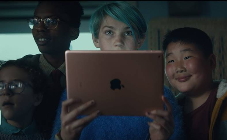 iPad 2018 Clipurile Video Prezentare