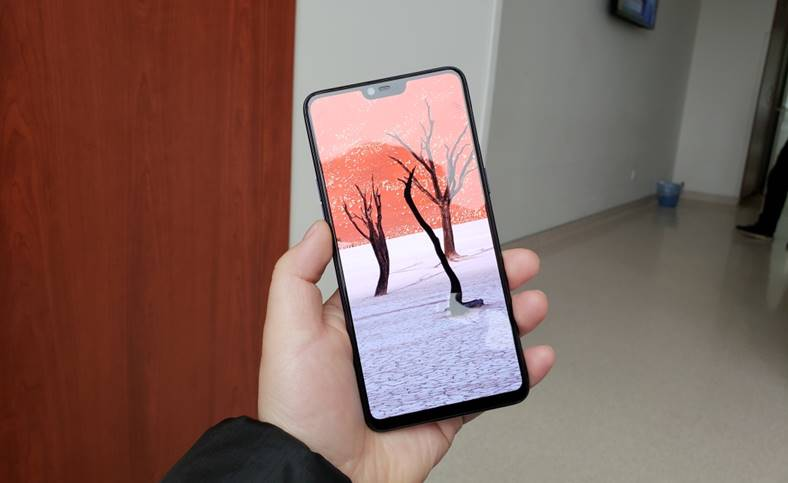 OnePlus 6 Galaxy S9 iPhone X SURPRIZA