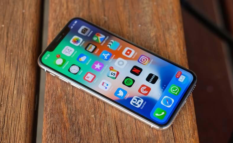 eMAG iPhone X REDUS 1799 LEI mai MIC Pret