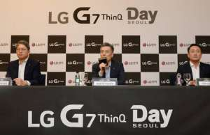 LG G7 LG Insista PENIBIL NU COPIAT iPhone X