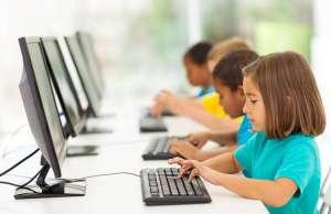 copii dependenti internet romania