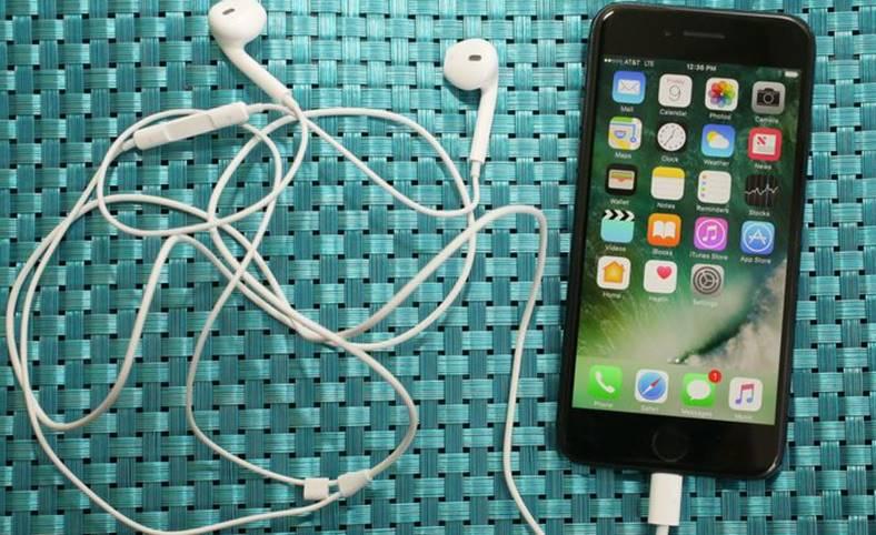 iOS 11.3 STRICA Telefoanele iPhone 7 Apple