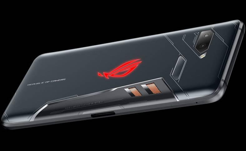 ASUS Telefon Android PREMIERA ULUITOARE