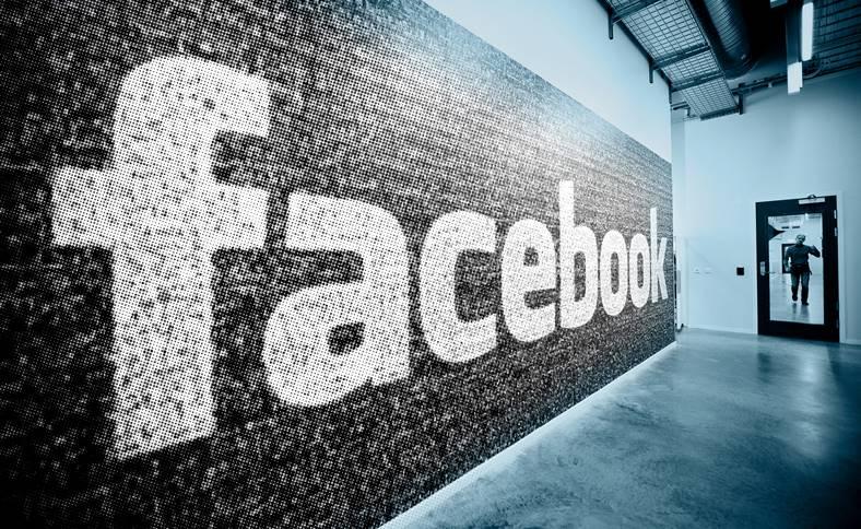 Facebook Functie SECRETA Aplicatiei
