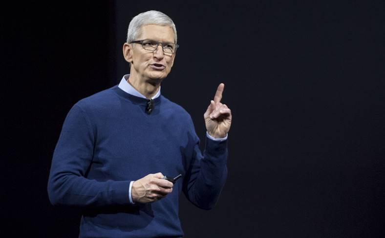 Presedintele Apple Foloseste iPhone mult