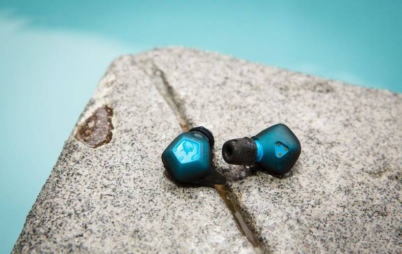 eMAG Casti Bluetooth Numai 10 LEI azi