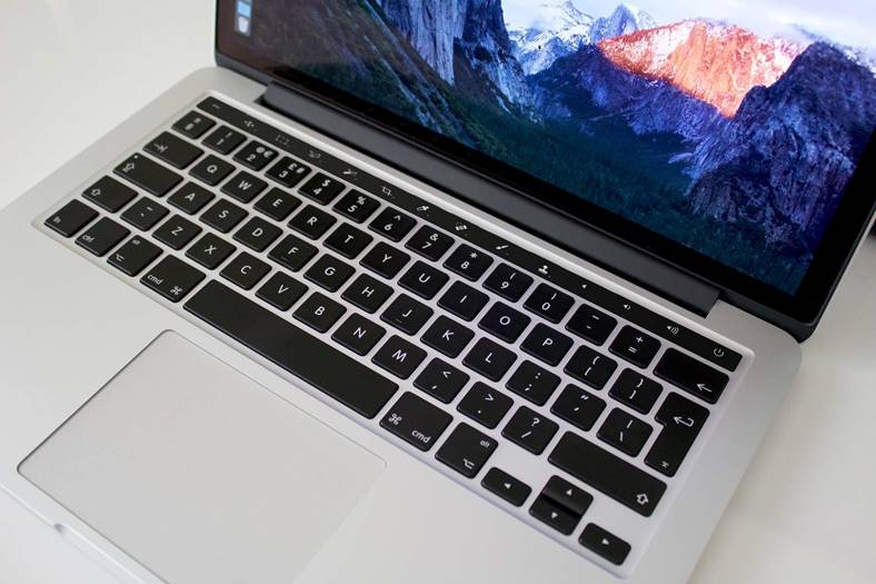 MacBook Pro Procesor Intel Coffee Lake Confirmat 350112