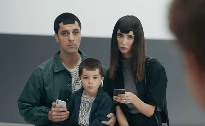 Samsung GALAXY S9 Reclame BAT JOC iPhone X