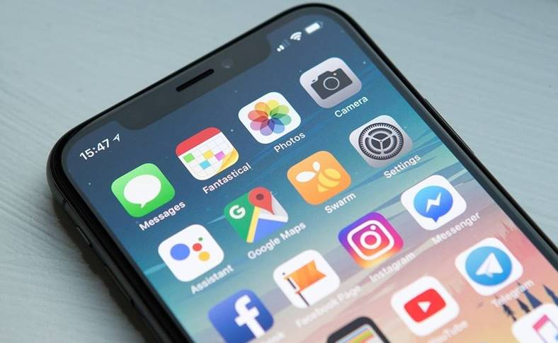 Apple SPIONAREA iPhone