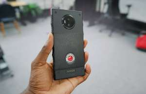 RED Hydrogen One UNBOXING Smartphone UIMITOR