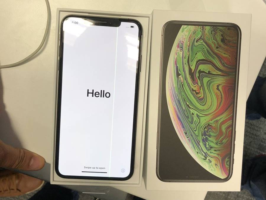 iphone xs max ecran stricat 1