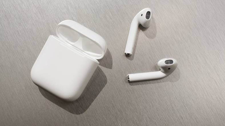 emag reduceri airpods