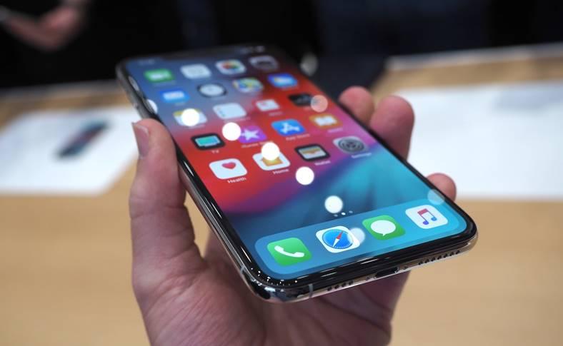 iphone xs incarcare problema