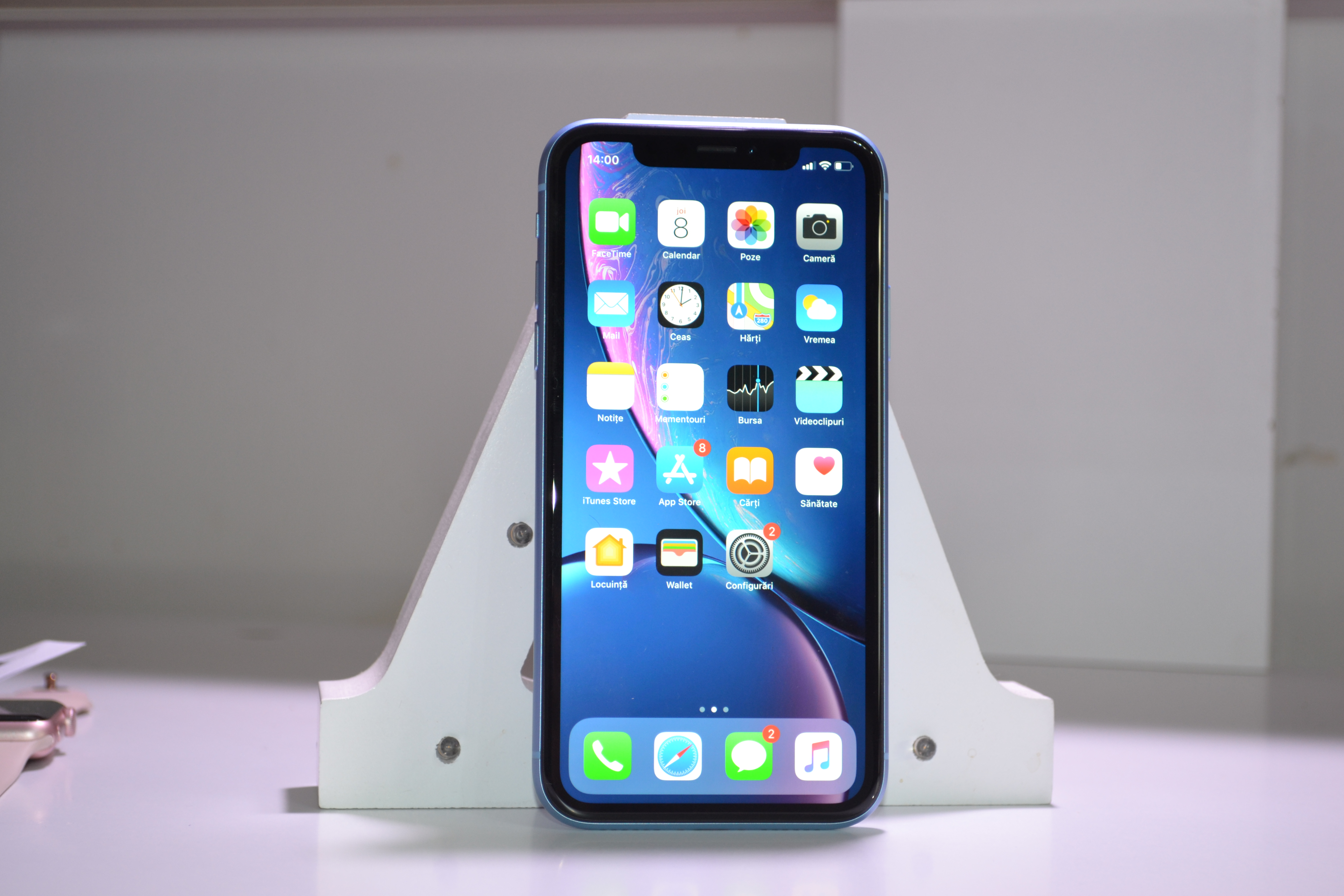 iPhone XR review design