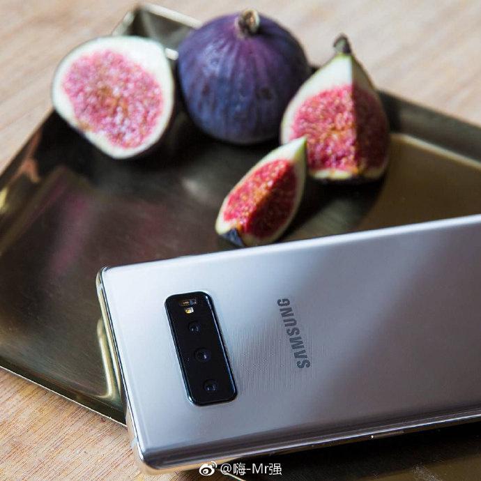 Samsung GALAXY S10 real imagini