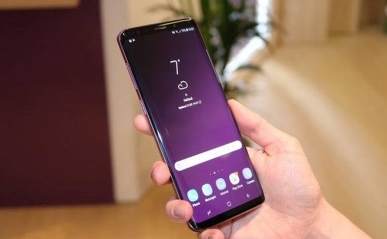 Samsung GALAXY S9 umilit iPhone X