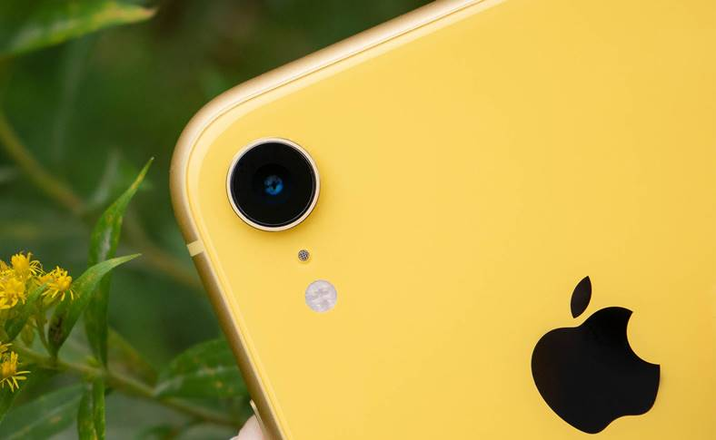 iPhone XR camera Samsung GALAXY S9