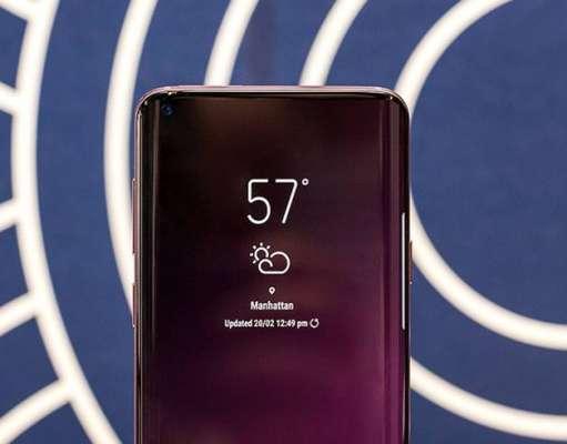 Samsung GALAXY S10 pret iPhone xs