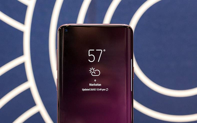 Samsung GALAXY S10 pret iPhone xs