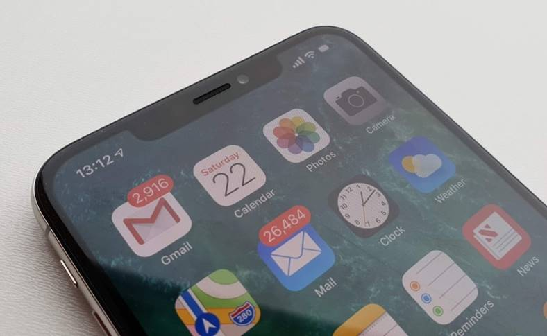apple angajari iphone