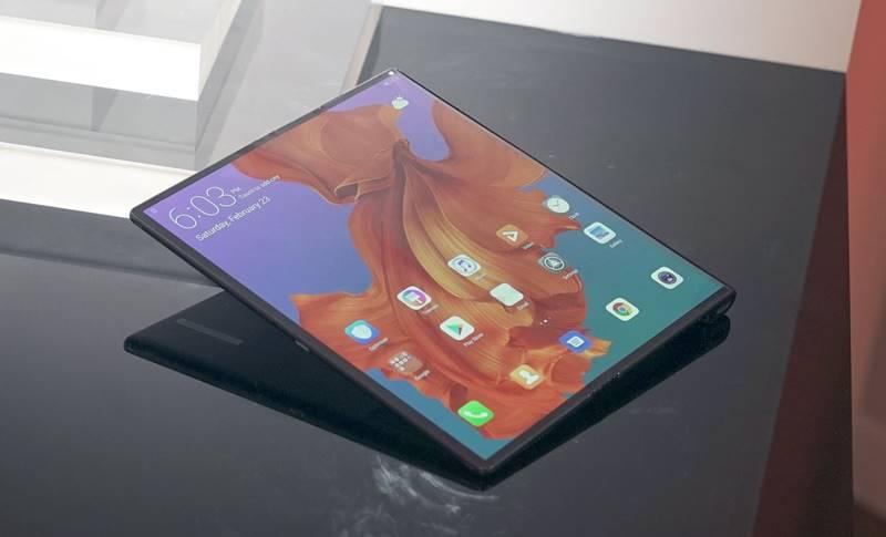 Huawei MATE X PRET GALAXY FOLD
