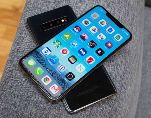 iPhone XS Max UMILESTE Samsung GALAXY S10 in Performante