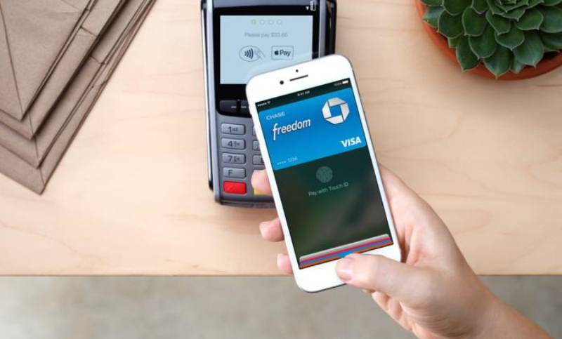 CAND se LANSEAZA Apple Pay in Romania