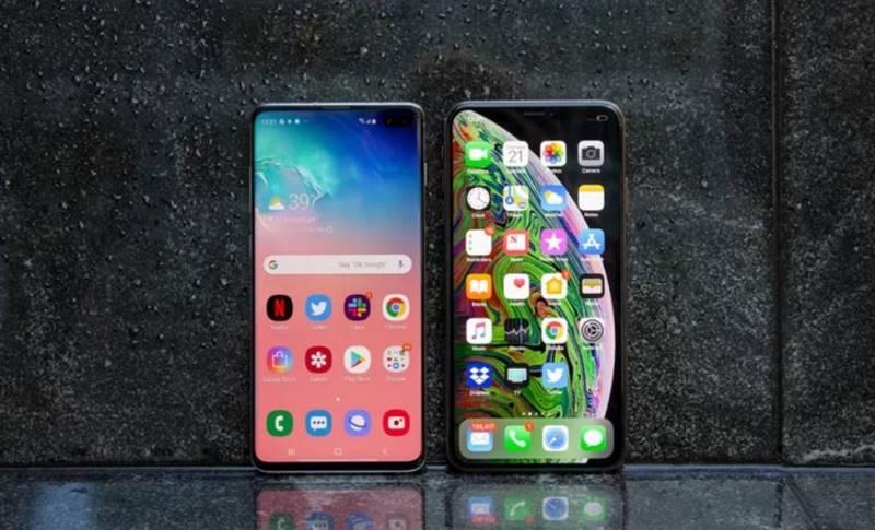 Samsung GALAXY S10 iPhone XS Max