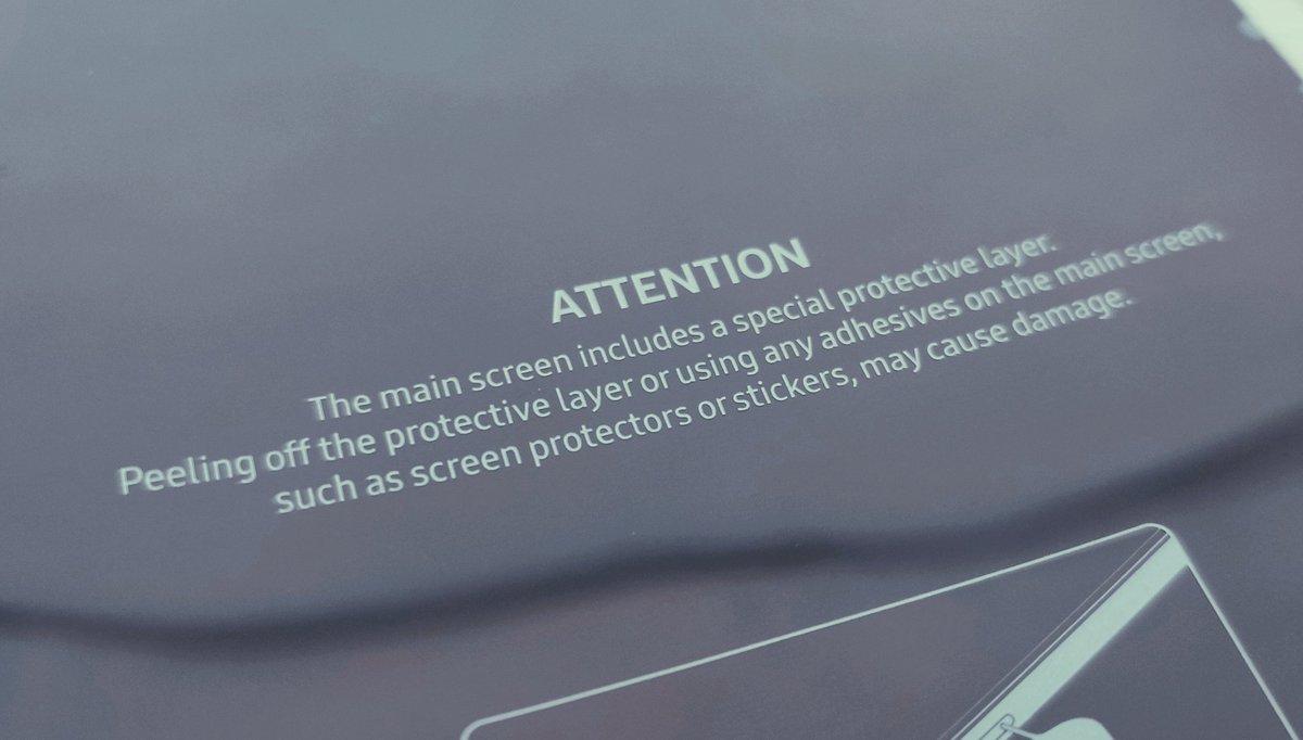 Samsung GALAXY FOLD greseala 1