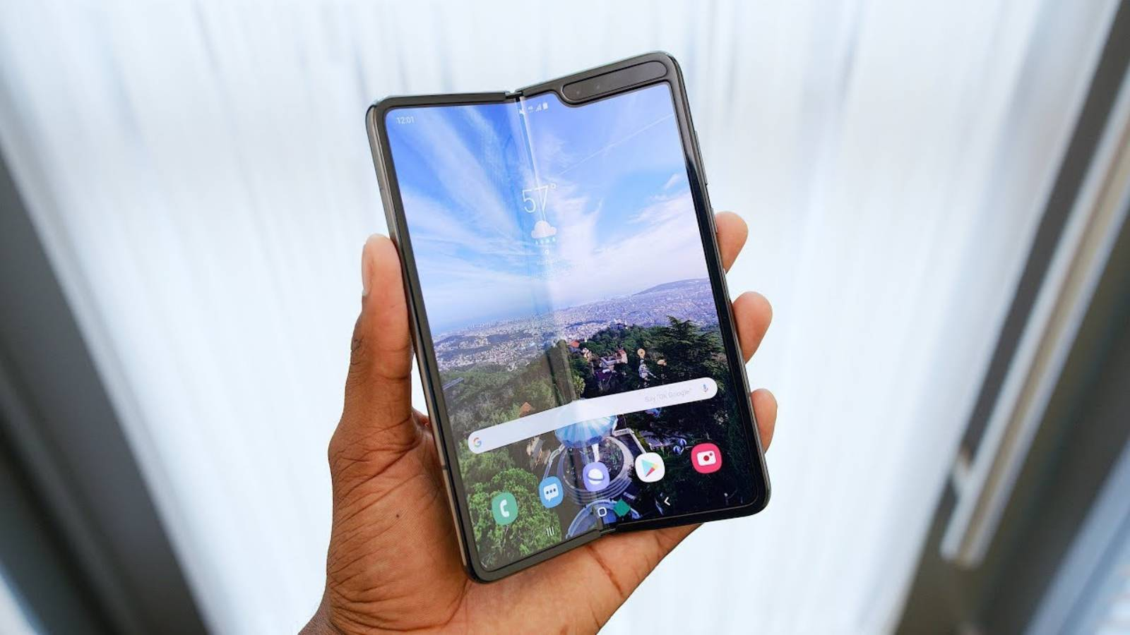 Samsung GALAXY FOLD lansare iunie