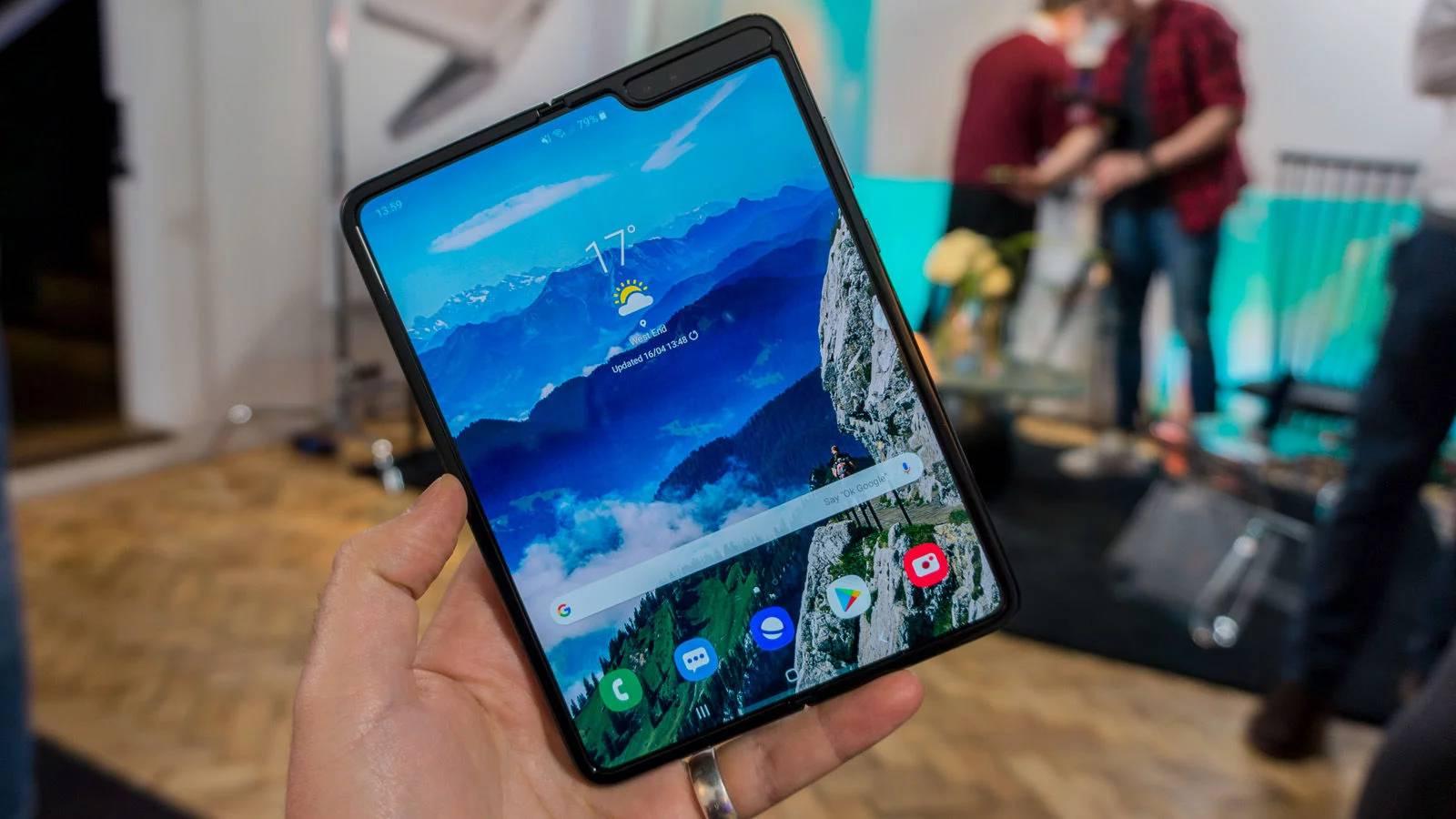 Samsung GALAXY FOLD testare