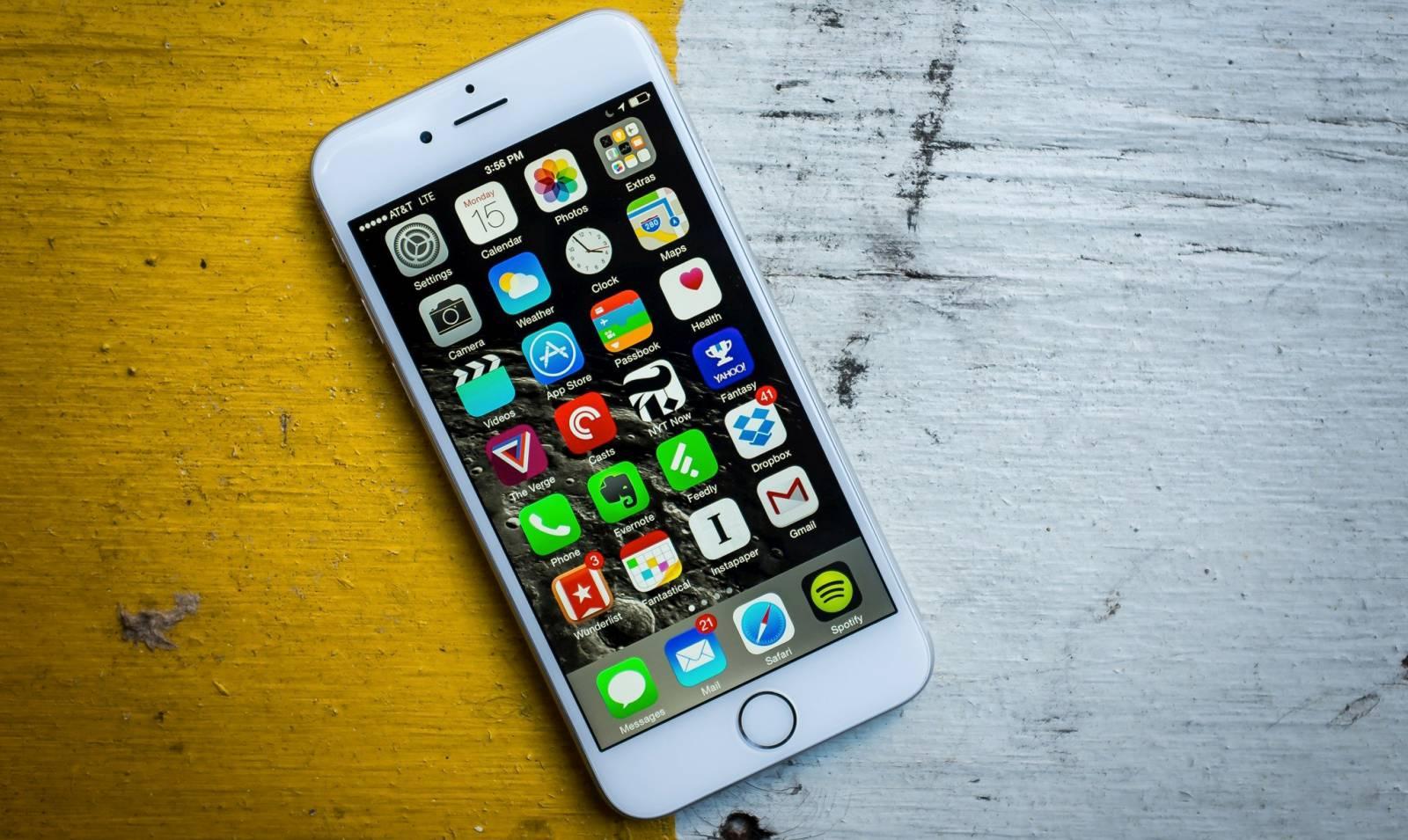 eMAG iPhone 6 6S 2200 LEI Reducere