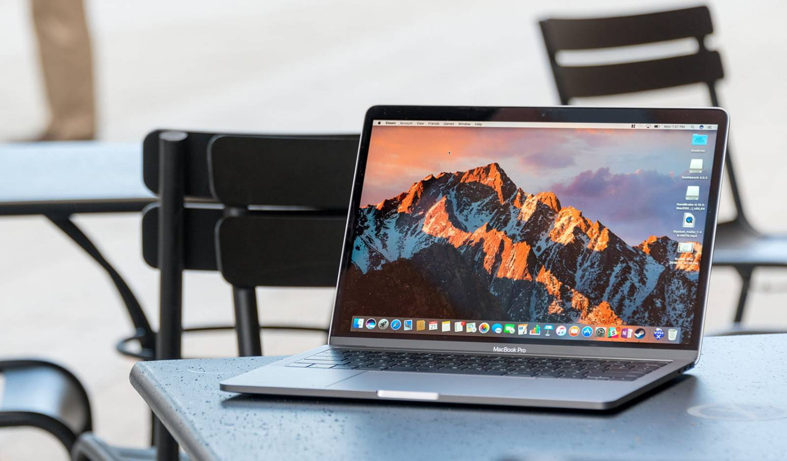 MacBook Air MacBook Pro 13 inch actualizari
