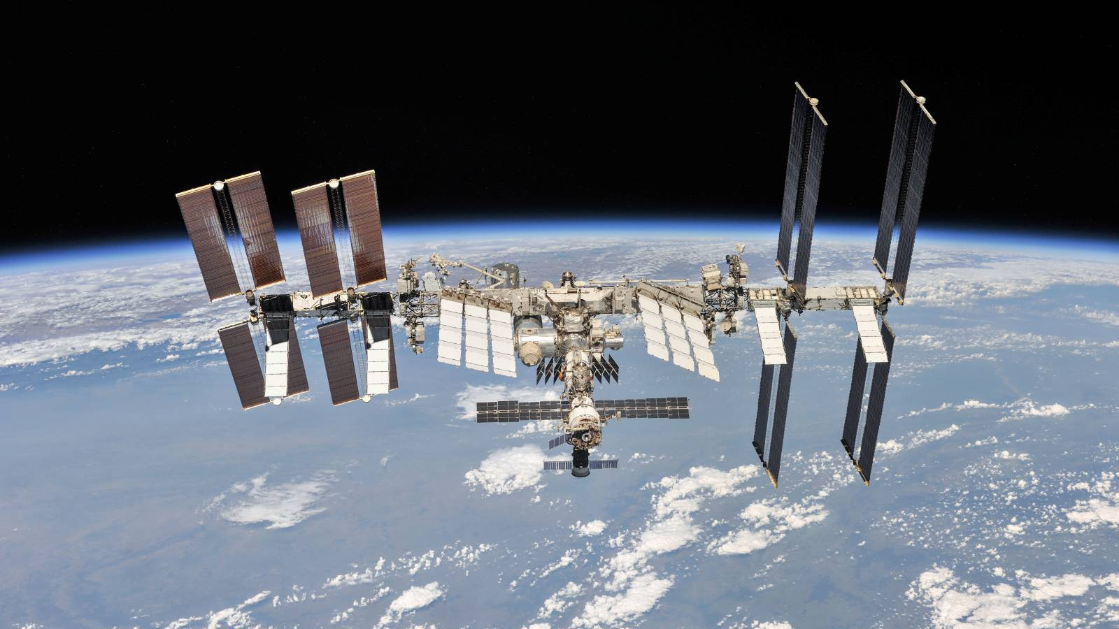 NASA cat costa vizitele la statia spatiala internationala