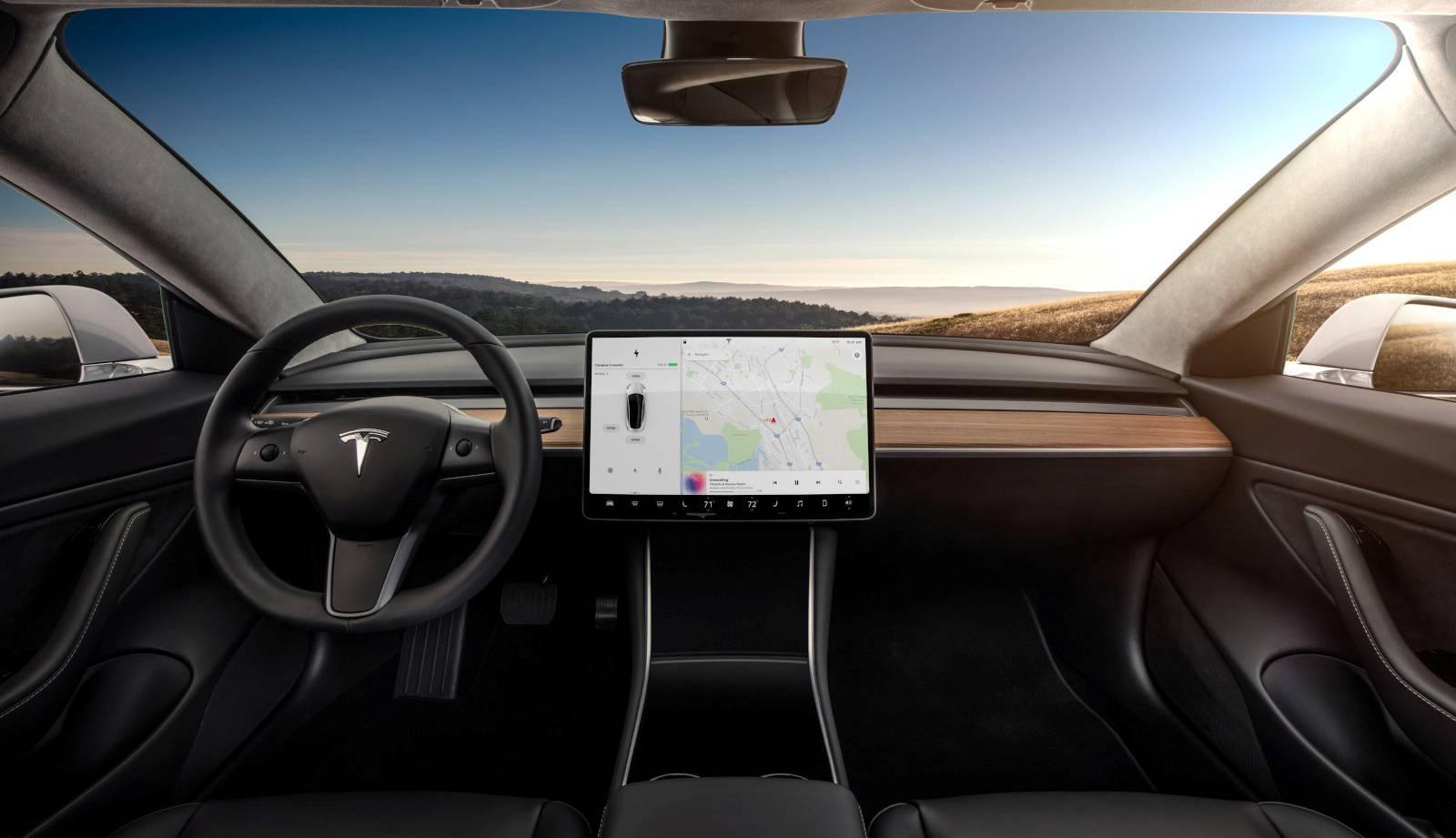 soferi tesla autopilot