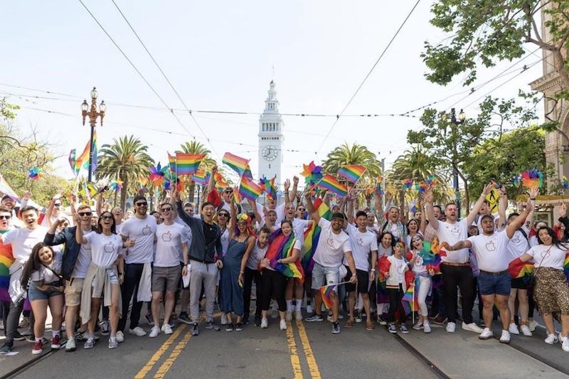 Apple gay parade 2019 san francisco