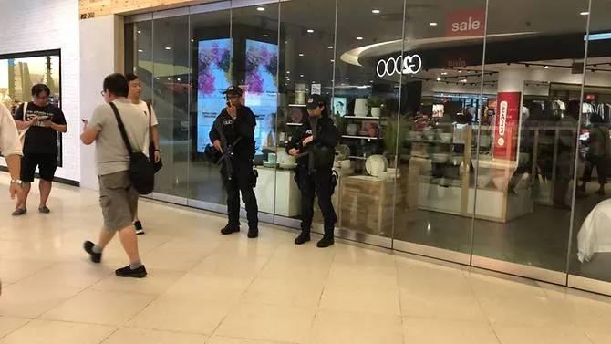 Huawei MULTI Clienti FRUSTRATI Opriti POLITIE intr-o Promotie ESUATA video paza