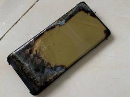 Samsung GALAXY S10 explodat