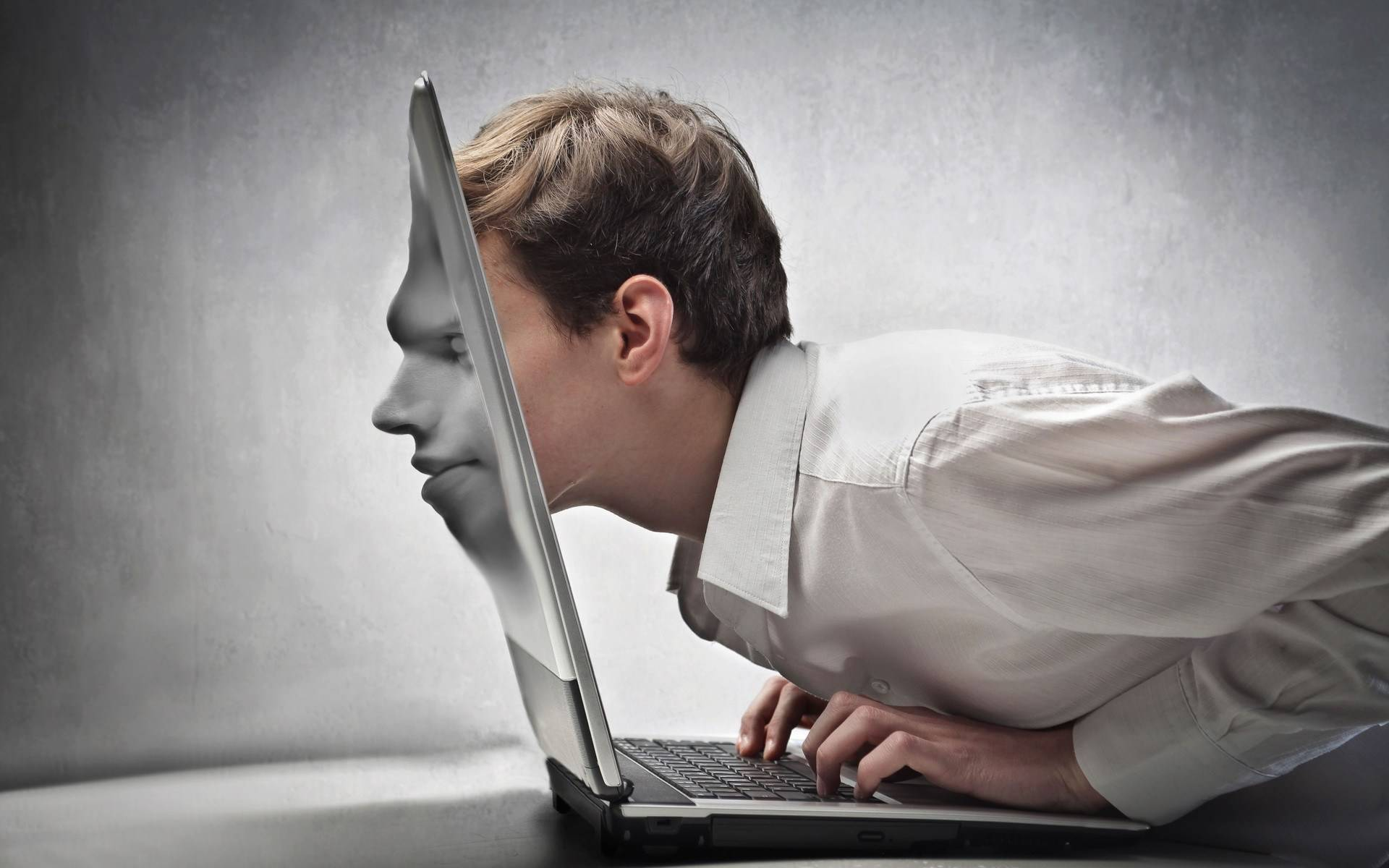 tara oameni dependenti internet