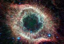 NASA. FOTO ULUITOARE Aniverseaza 16 Ani de Telescop Spitzer