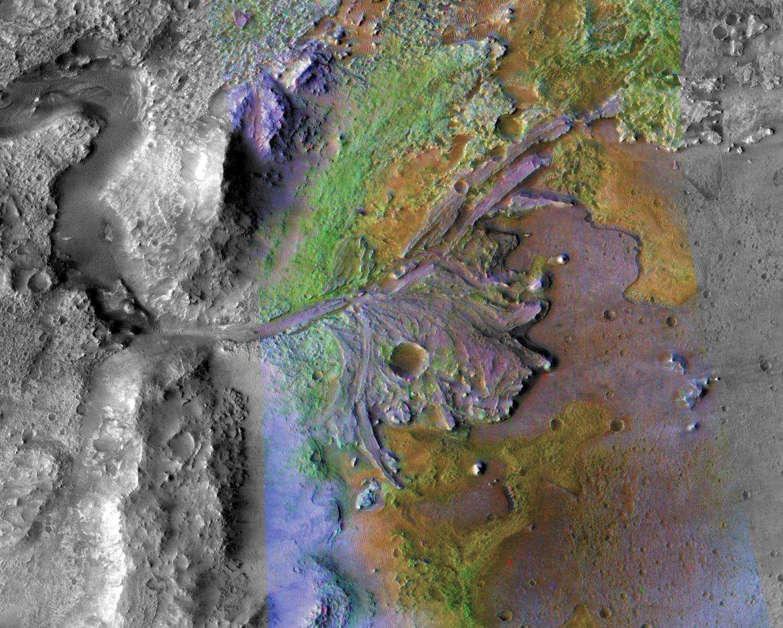 Planeta Marte. Anuntul HALUCINANT despre Formele de VIATA apa