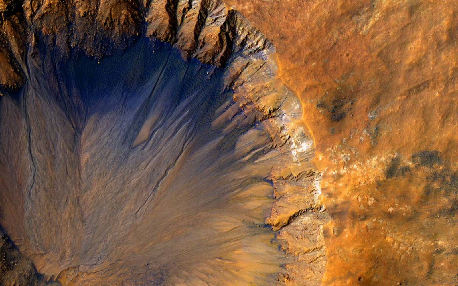 Planeta Marte. Noi Poze INCREDIBILE au UIMIT Intreaga OMENIRE terra cimmeria