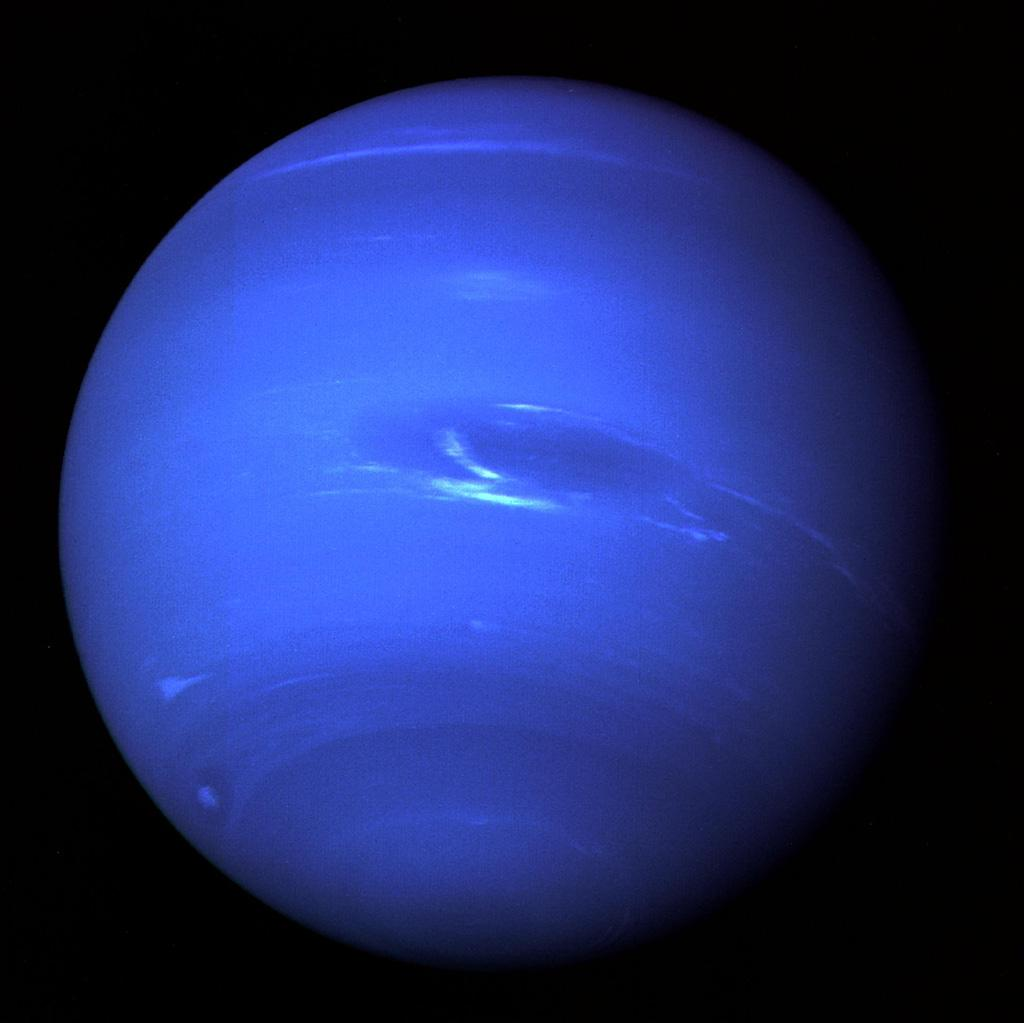 Planeta Neptun. Primele IMAGINI ULUITOARE Facute de NASA voyager